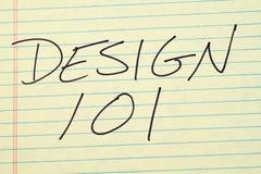 Design 101 auf einem gelben Kanzleibogenblock Lizenzfreie Stockfotos