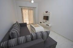 Design de interiores da sala de visitas luxuosa do apartamento fotografia de stock