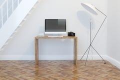 Design de interiores moderno do escritório domiciliário com estantes Front View Fotografia de Stock Royalty Free