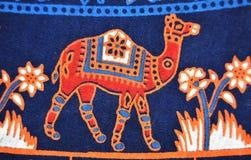 Design des Kamels auf Kleidung Stockbilder
