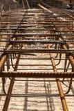 Design des Verstärkungskäfigs der Verstärkung für konkreten Rahmen Stockfotografie