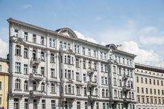 Design för kultur för vit fasad för Polen warsaw strykjärnbyggnad klassisk royaltyfri fotografi