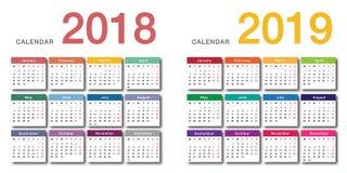 Design för mall för design för vektor för färgrik kalender för år 2018 och för år 2019 horisontalenkel och ren, Royaltyfria Foton