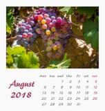 Design 2018 för reklamblad för mall för Juli skrivbordkalender valencia Fotografering för Bildbyråer