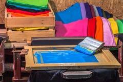 design för skjorta för skärmprintingutslagsplats förälskad royaltyfri fotografi