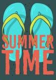 Design för strandsommarTid affisch med Flip Flops Slippers Beach Shoes hand drog illustrationer vektor illustrationer