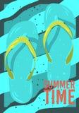 Design för strandsommarTid affisch med Flip Flops Slippers Beach Shoes hand drog illustrationer royaltyfri illustrationer