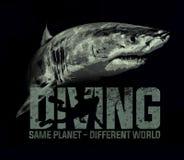 Design för T-tröja för hav för hav för hajdykningdykare royaltyfri illustrationer