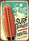 Design för tecken för surfingbrädahyror retro tenn- stock illustrationer