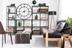Design för vardagsrum för man` s royaltyfria foton