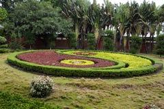 Design och garnering som arbeta i trädgården den Yin Yang för kinesisk stil modellen av Tian Tan Garden i den Tiantan templet på  royaltyfria bilder