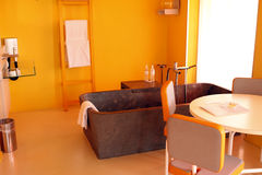 DESIGN ORANGE BATH ROOM Royalty Free Stock Image