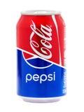 Designbegrepp av cocaen - cola och Pepsi cans royaltyfria bilder