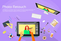 Designer gráfico Professional Tablet Drawing Imagem de Stock Royalty Free