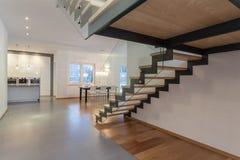 Designerinnenraum - Treppenhaus Stockbild