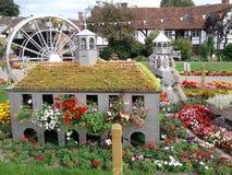 Designes för blommaträdgård gör din dag ljusare arkivbild