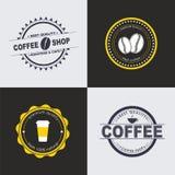 Designkaffeelogo auf farbigen Hintergründen Lizenzfreie Stockbilder