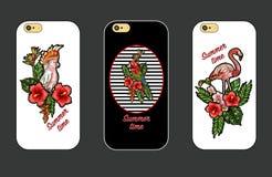 Designräkning för telefon med tropiska broderilappar av flamingo, papegojan och blommor vektor illustrationer