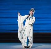 """Desintegração do ato do destino- sétimo de Bai Suzhen do  branco de Opera""""Madame Snake†das famílias-Kunqu foto de stock royalty free"""