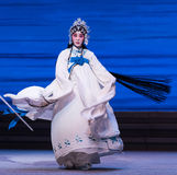 """Desintegración del acto de señora White Snake-The séptimo del  blanco de Opera""""Madame Snake†de las familias-Kunqu Foto de archivo libre de regalías"""
