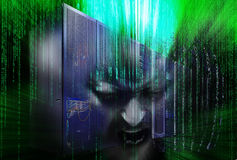 Desintegración del pirata informático de la unidad central con código binario imagen de archivo libre de regalías