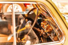 Deska rozdzielcza rocznika samochód zdjęcie royalty free