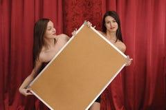 deski pusty dziewczyn chwyt dwa Zdjęcia Royalty Free