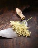 deskowa tnąca starsza osoba kwitnie nóż tnącego Zdjęcie Stock