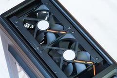 Desktop κενή περίπτωση υπολογιστών με πιό δροσερό ανεμιστήρων στοκ εικόνα