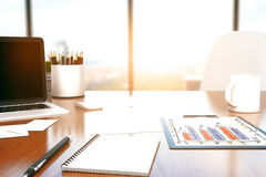 Desktop com ferramentas do escritório Foto de Stock