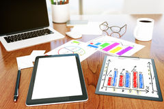 Desktop con la compressa Immagine Stock