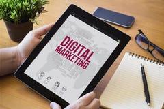 Desktoptablet online marketing royalty-vrije stock afbeeldingen