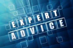 Deskundig advies in blauwe glaskubussen Stock Foto's