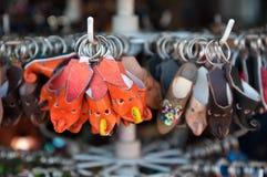 Deslizadores de cuero del llavero Foto de archivo libre de regalías