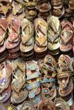 Deslizadores hechos a mano de cuero asiáticos tradicionales Imágenes de archivo libres de regalías