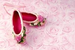 Deslizadores rosados del ballet Fotos de archivo