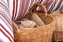 deslizadores trançados em uma cesta nos mestres justos Imagem de Stock