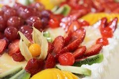 Desmoche grande de la fruta de la torta Foto de archivo libre de regalías