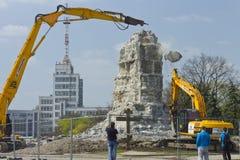 Desmontando o suporte do monumento Lenin ao 12 de abril de 2016 Fotografia de Stock Royalty Free