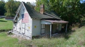 Desmoronamento velho da casa 1912091 Imagens de Stock