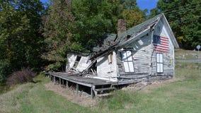 Desmoronamento velho da casa Imagens de Stock Royalty Free