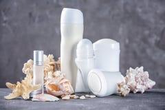 Desodorierende Mittel für Frauen und Muscheln Stockfotos