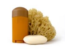 Desodorizante, esponja e sabão Foto de Stock