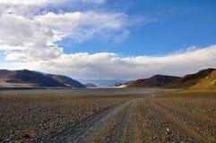 Desolate mountain road Royalty Free Stock Photos