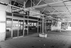 Desolated sklepu spożywczego budynek Obrazy Stock