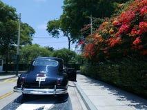 DeSoto limousine som 1949 parkeras i San Isidro, Lima Arkivbilder