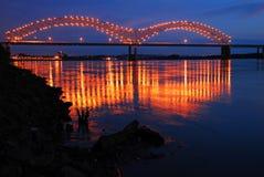 Desotobruid in de Mississippi wordt weerspiegeld die royalty-vrije stock afbeelding
