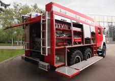 Despeça torneiras e o motor de incêndio interno equipado mangueiras imagem de stock royalty free
