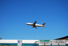Despegue al aeropuerto de Fiumicino - Roma Fotografía de archivo libre de regalías