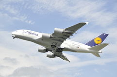 Despegue de A380 Munich Imagenes de archivo